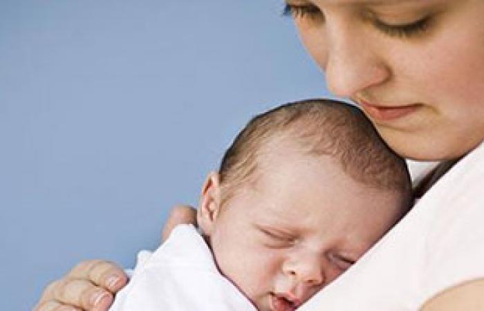 معظم الأمهات يفشلن فى التواصل مع أطفالهن بعد الولادة
