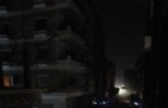 السعودية ومصر يواجها انقطاع الكهرباء بربط الشبكتين