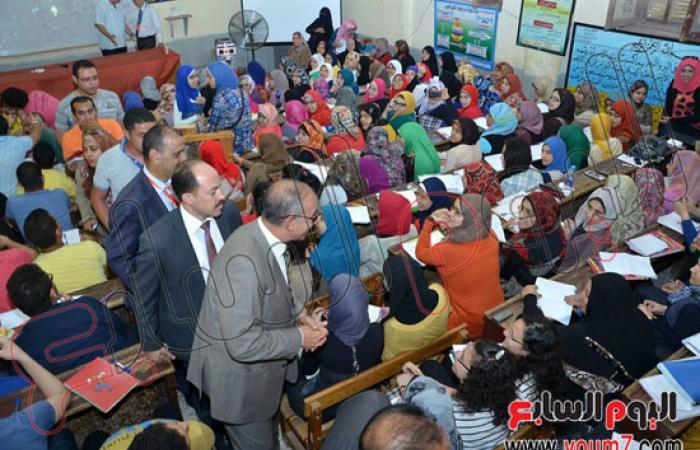 توزيع ملخصات جميع المواد للشهادة الثانوية ببورسعيد مجانا