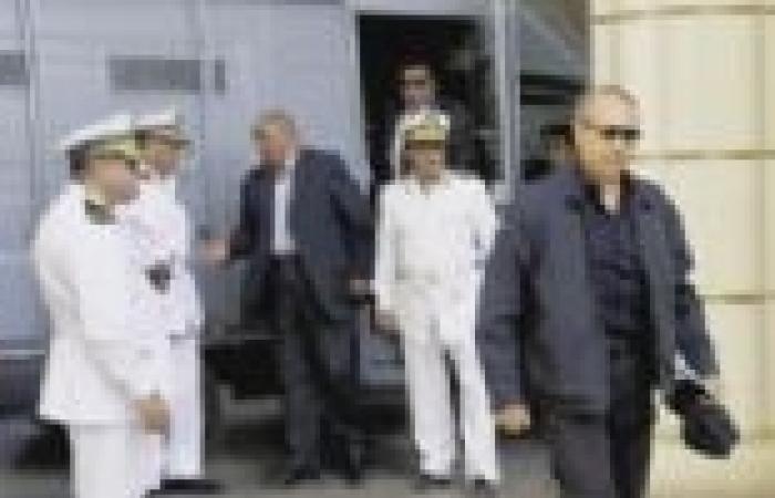 العادلي يعترف: حذرت من الثورة قبل قيامها بشهر وطلبت مساعدة الجيش فنهرني مبارك