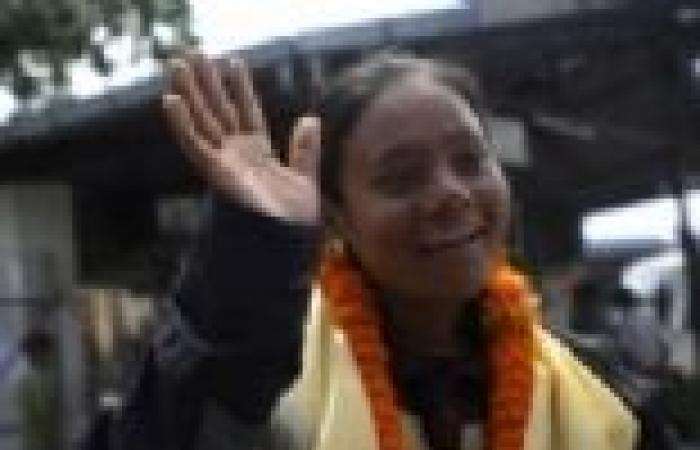 هندية أول «مبتورة ساق» تتسلق قمة «إيفرست»
