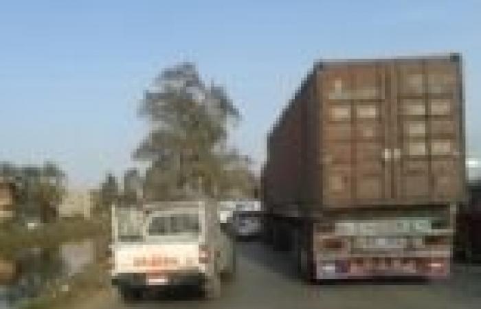 الأمن ينجح في فتح الطريق أمام 510 سياح بأسوان بعد احتجاز لثلاث ساعات