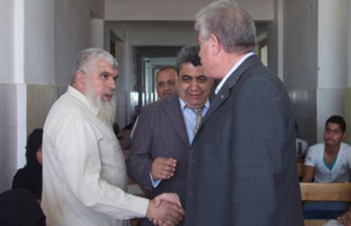 محافظ جنوب سيناء يتفقد امتحانات الجامعات والدراسات العليا