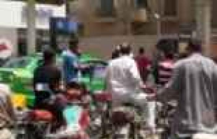 «أزمة الوقود» : قطع طرق.. ومعارك بالأسلحة.. وسائقون يهددون بالإضراب