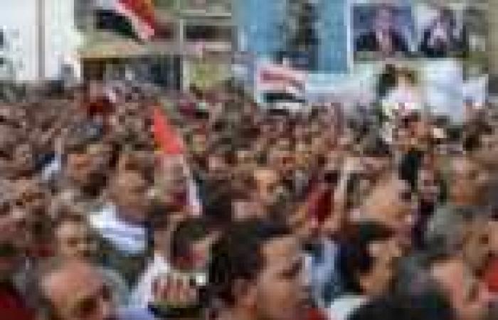 """القوى الثورية وجبهة """"الإنقاذ"""" يبدأون الحشد لمليونية """"30 يونيو"""" لإسقاط الرئيس مرسي"""