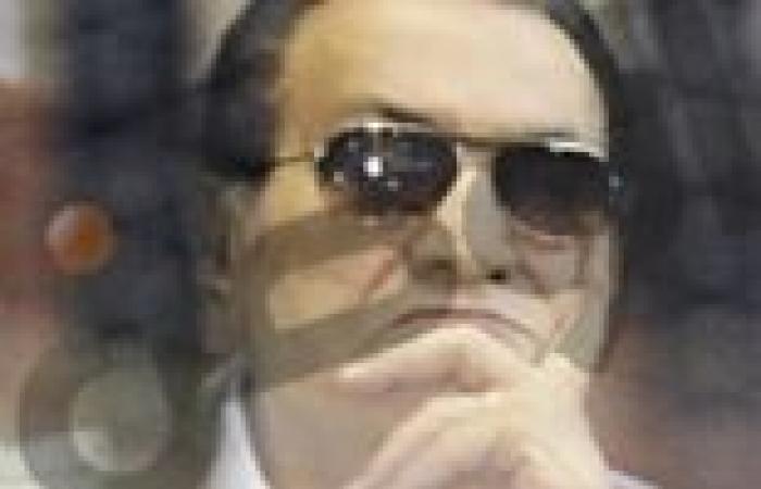 """نائبه وفدية تطالب بتحديد إقامة """"مبارك"""" وأسرته في """"العشوائيات"""""""
