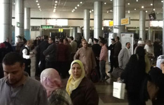 مطار القاهرة يستقبل مرحلين هاربين من تنفيذ أحكام