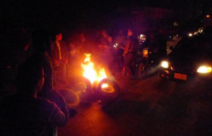 أهالى الشرقية يقطعون طريق بلبيس بسبب انقطاع التيار الكهربائى