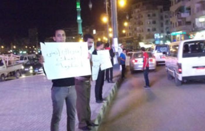 """سلسلة بشرية لـ""""مصر القوية و6 أبريل"""" بحلمية الزيتون تضامنا مع المعتقلين"""