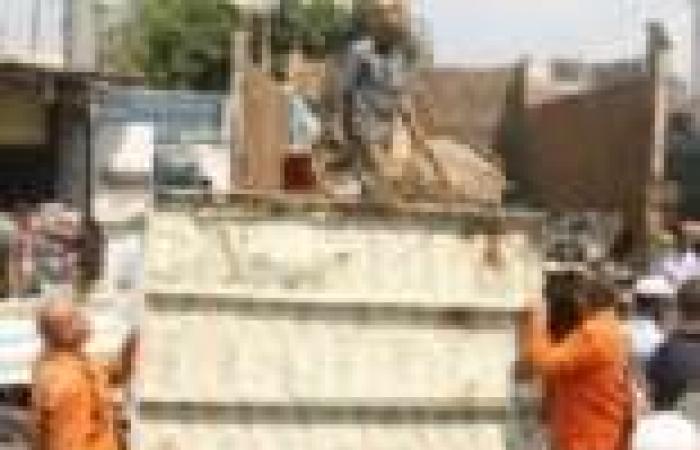 حملة أمنية لإزالة التعديات على كورنيش مرسى مطروح