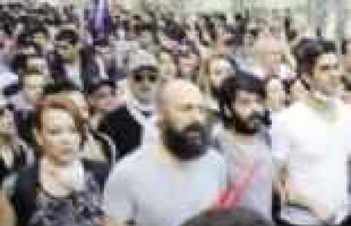 """«انتفاضة ».. «نجوم الدراما التركية» تنطلق من ميدان """"تقسيم"""""""
