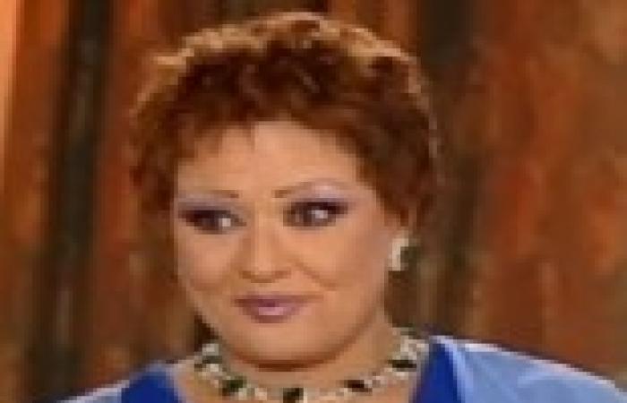 """معالي زايد تزور مقام السيدة زينب لتصوير """"موجة حارة"""""""