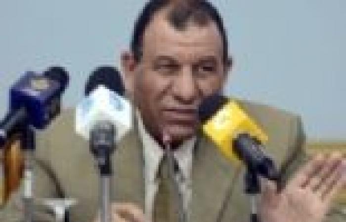 """""""غنيم"""" يأمر بإعادة توزيع درجات الأسئلة الصعبة بـ""""عربي"""" ثالثة ثانوي"""