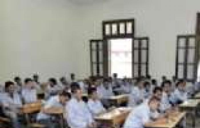 """طلاب المرحلة الأولى للثانوية العامة: امتحان """"التفاضل"""" في مستوى الطالب المتوسط"""