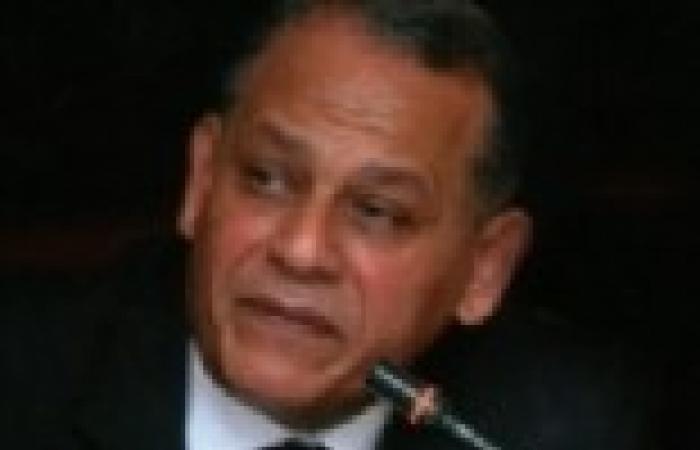 """السادات لـ""""مرسي"""": سنقبل المصالحة الوطنية في حالة إجراء استفتاء على بقائك"""