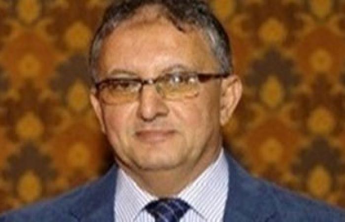 سفير القاهرة بطرابلس يلتقى وزير الصحة الليبى لبحث التعاون بين البلدين