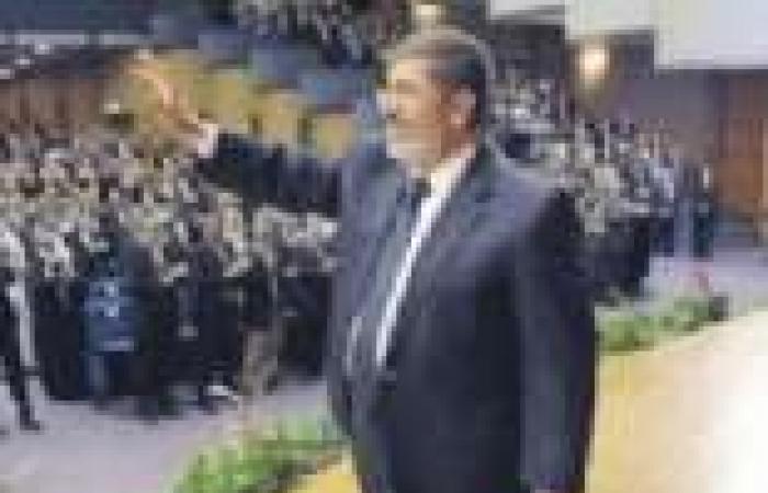 مرسي يقرر تغيير 14 محافظا