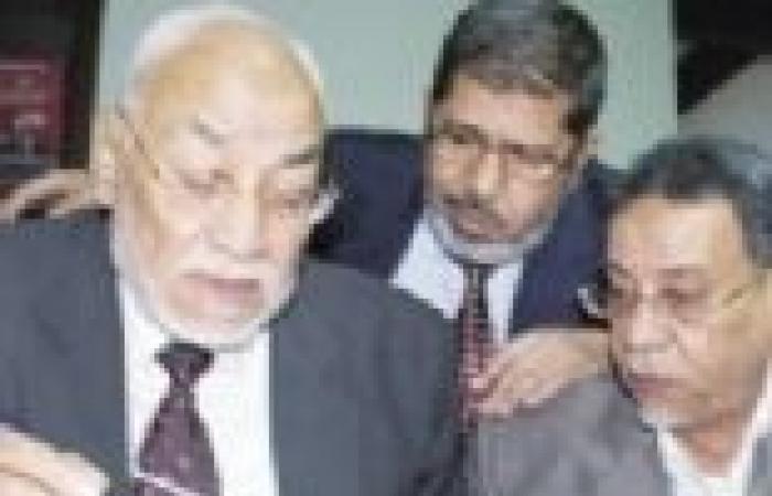 د. عماد عبداللطيف يحلل فيديو« هاتوا لى مرسى»: الرئيس «موظف مطيع» لدى مرشد الجماعة