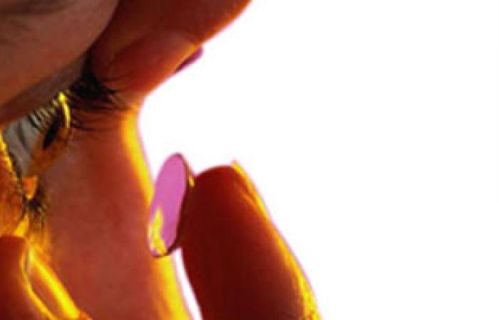 عدسات لاصقة للحماية من أشعة الشمس الضارة