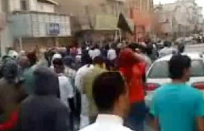 شريط فيديو يظهر تنديد آلاف الشيعة بحكام السعودية فى جنازة