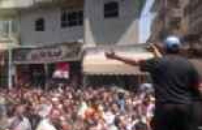 """أهالي أجا بالدقهلية يلقون القبض على شاب حاول تحطيم صيدلية مملوكة لـ""""إخواني"""""""