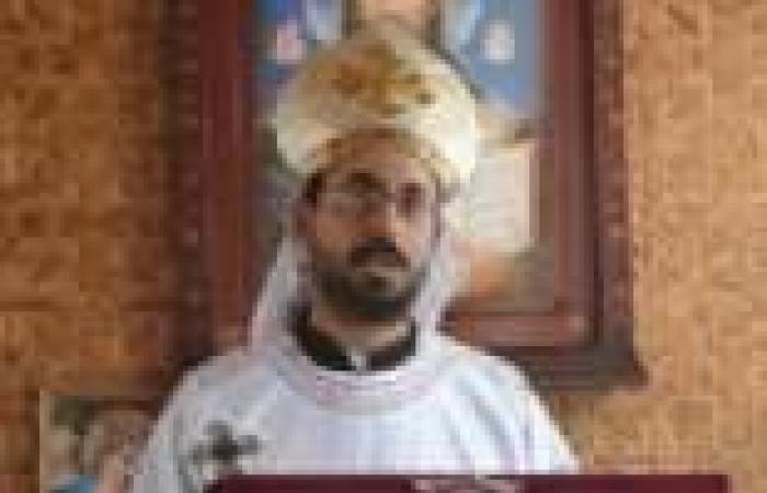 أسقفية الشباب بالكنيسة الأرثوذكسية تنعي القسيس المقتول في العريش