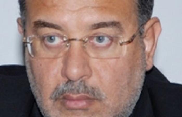 أنباء عن تولى شريف إسماعيل وزارة البترول