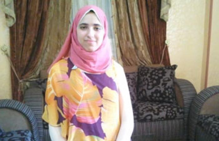 مريم أولى الثانوية العامة بالمنوفية مليش فى السياسية بس مرسى فشل