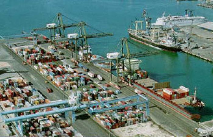 وصول شحنة كلينكر تزن 20 ألف طن إلى ميناء الإسكندرية