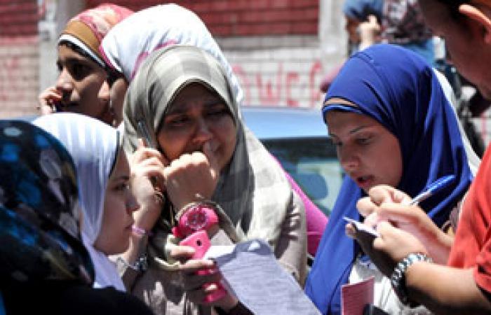 12 طالبًا وطالبة يحرزون العشرة مراكز الأولى بالقسم العلمى بأسوان