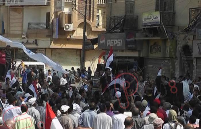 """بالصور.. مسيرات """"الإخوان"""" تصل مسجد ناصر بالفيوم"""