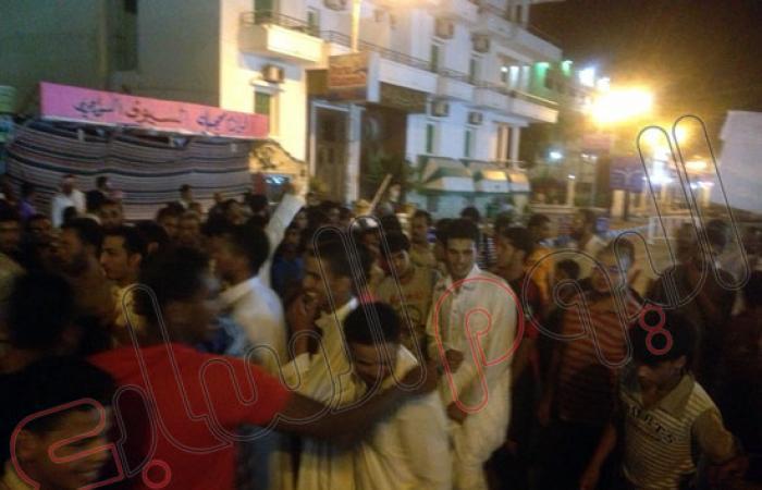 """بالصور.. مسيرة ليلية لمؤيدى """"مرسى"""" بمطروح بمشاركة نساء الإخوان"""