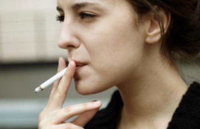 باحثون: علب السجائر ذات التصميم الكئيب تساعد على الإقلاع عن التدخين