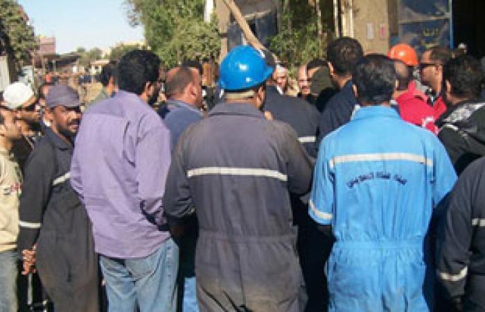 عمال السويس للصلب يواصلون اعتصامهم للمطالبة بزيادة الأرباح