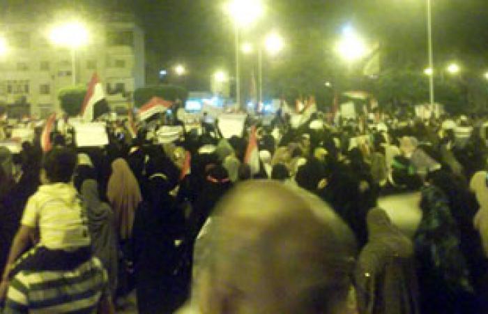 """مؤيدو مرسى يحاولون تحطيم """"كافتيريا"""" ببورسعيد"""