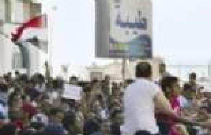 الغضب يجتاح الإسكندرية لاستمرار قطع الطرق وتعطيل مظاهر الحياة فى مسيرات تأييد «المعزول»