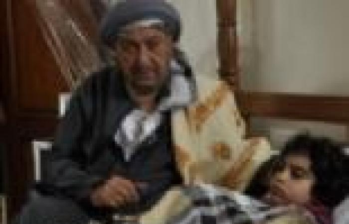 """الحلقة (16) من """"خلف الله"""": نور الشريف يتزوج صباح.. وياسمين تنجب طفلا يتوفى بعد ساعات"""