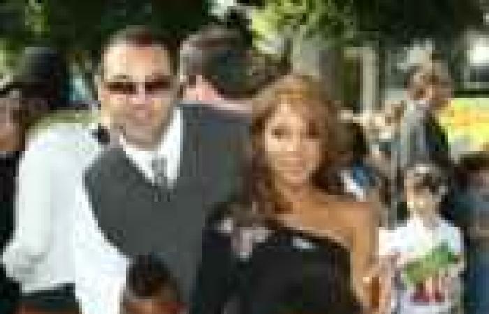 بالصور  طلاق توني براكستون وكيري لويس بعد زواج استمر 12 عاما