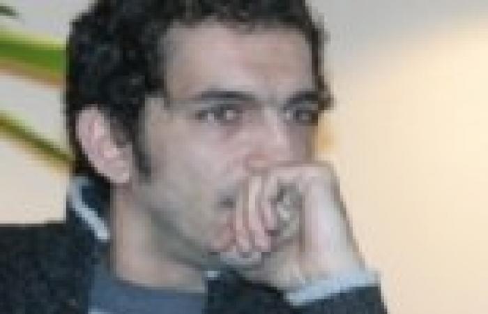 """عمرو واكد: اللي اتلسع من شوربة """"طنطاوي"""" ينفخ في زبادي """"السيسي"""""""