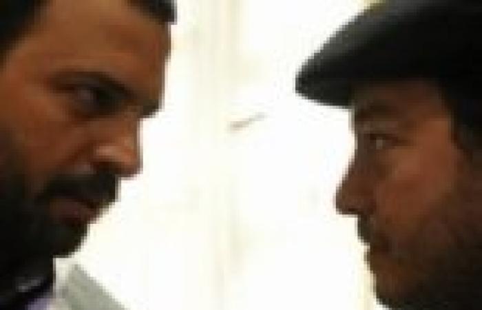 """الحلقة (16) من الصقر شاهين .. """"نوال"""" ترفض بيع مراكب """"حسان"""" إلى """"فؤاد القرش"""""""