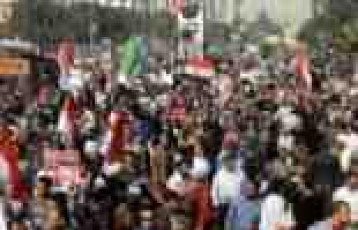 """""""الإخوان"""" ينظمون مسيرة بالمنصورة لدعوة الأهالي إلى تأييد مرسي"""