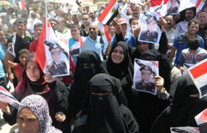 تزايد المتظاهرين أمام محافظة الشرقية دعما للجيش ضد الإرهاب