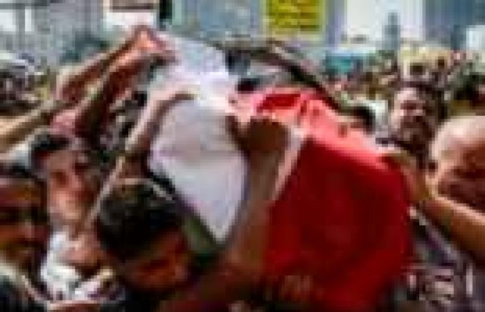 """الآلاف يشيعون جنازة الضحية الرابعة لنساء المنصورة في مسيرة تأييد """"المعزول"""""""