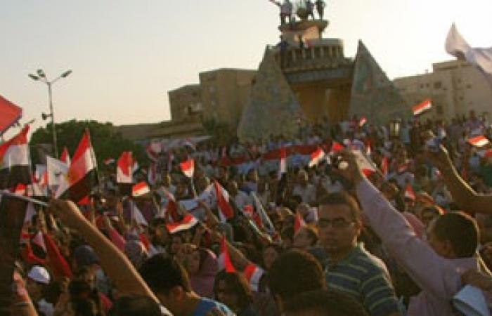 طبل ومزمار فى احتفالات سوهاج بانتهاء حكم الإخوان