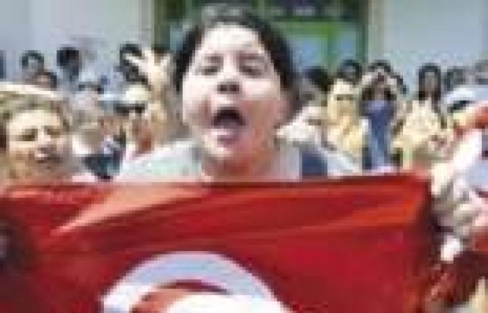 «تمرد تونس» تعلن العصيان ضد الإخوان».. والمسيرات تجتاح البلاد