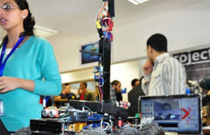 بدء معرض مشروعات التخرج بمشاركة 40 مشروعا لطلاب هندسة الإسكندرية