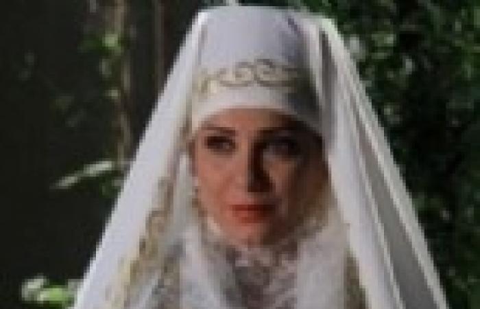 """الحلقة (15) من """"ياسمين عتيق"""": عقد قران """"جورية"""" على """"جواد الصباغ"""""""