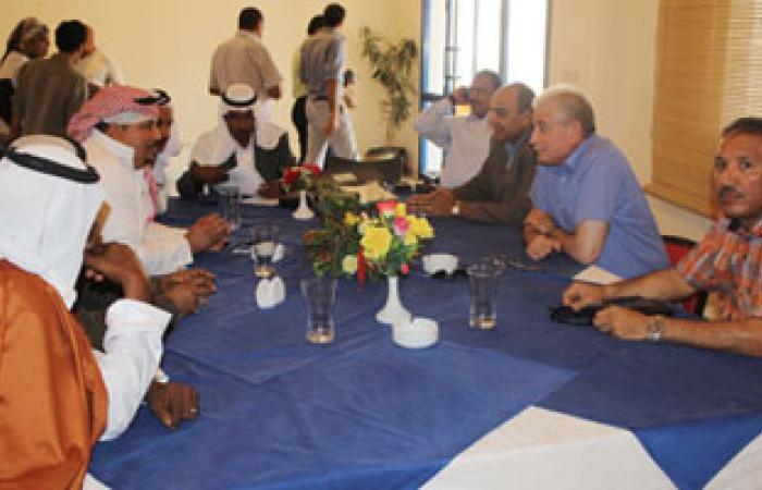 محافظ جنوب سيناء يعقد اجتماعاً لحل مشكلة النظافة بشرم الشيخ