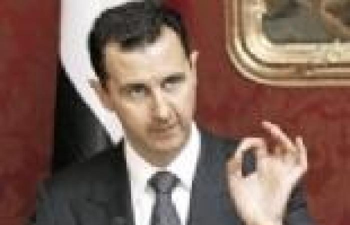 """""""الأسد"""" لضباط الجيش السوري: أذهلتم العالم بصمودكم أمام """"الإرهاب"""""""