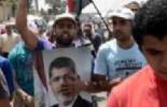 """وقفة لـ""""الإخوان"""" أمام مسجد الفتح بالزقازيق للمطالبة بعودة مرسي للحكم"""
